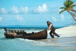 Pirates-Caribbean-Stranger-Tides-Photos-Johnny-Depp-Penelope-Cruz